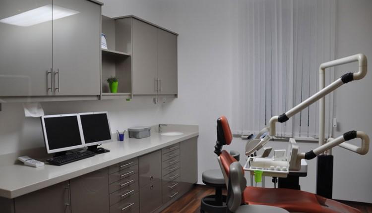 Zahnarztpraxis Dr. Greinix